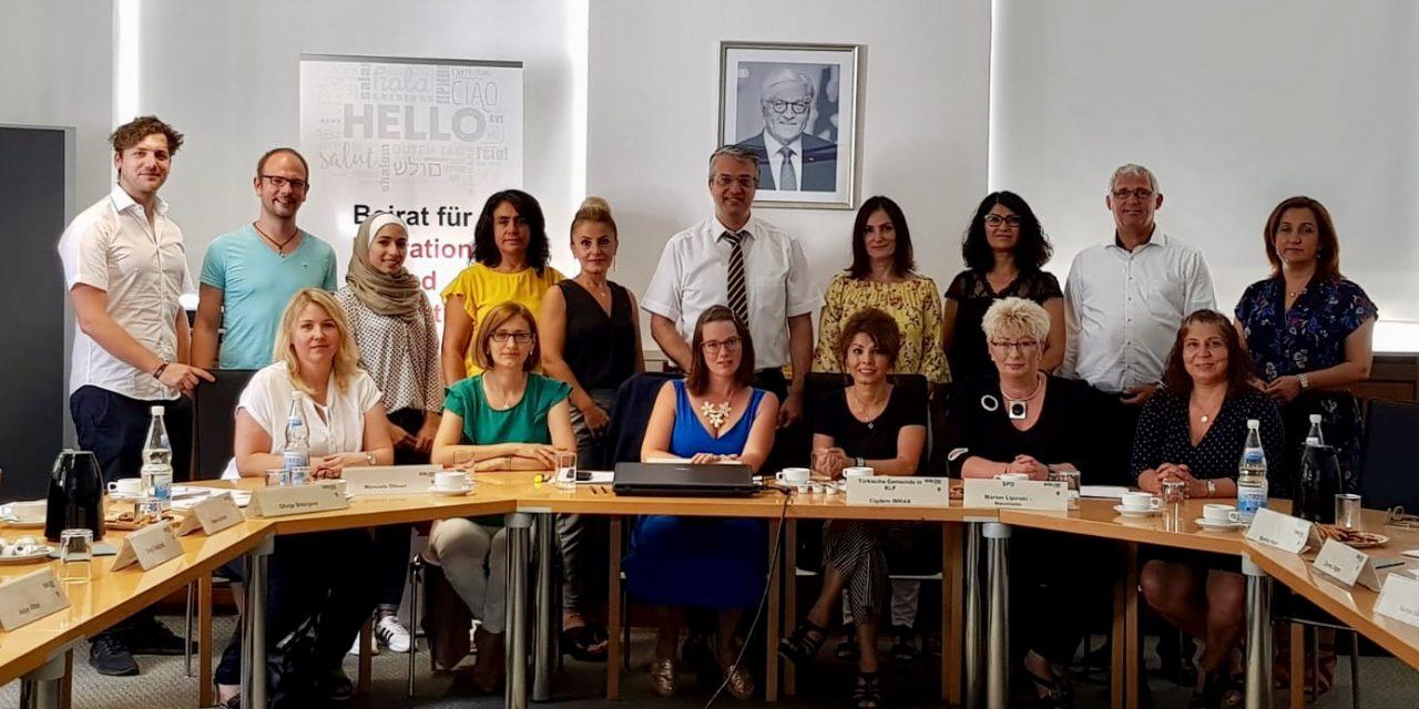 """""""Migrantinnen in die Kommunalpolitik"""""""